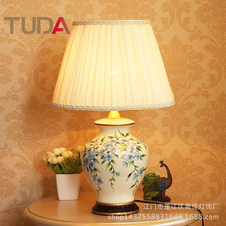 TUDA Simple Modern Ceramic Table Lamp Home Decoration Dimming Lights Wedding Wedding Cloth Bedroom Lamp сумка thule subterra weekender duffel 60l tswd 360 dark shadow 3203519