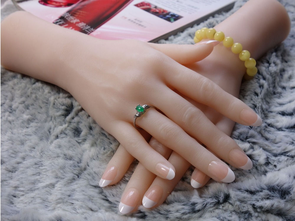 One Pair Realistic Silicone Female Mannequin Dummy Hands For Ring Jewelry Display ,Model Nail Art Hand,Free Nails