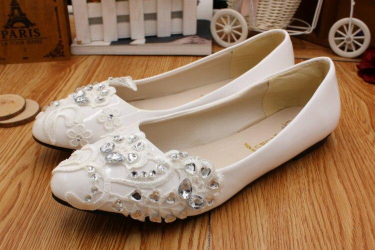 White lace wedding shoes woman flat heel round toe slip on bridal ... 0e646e8f17fb