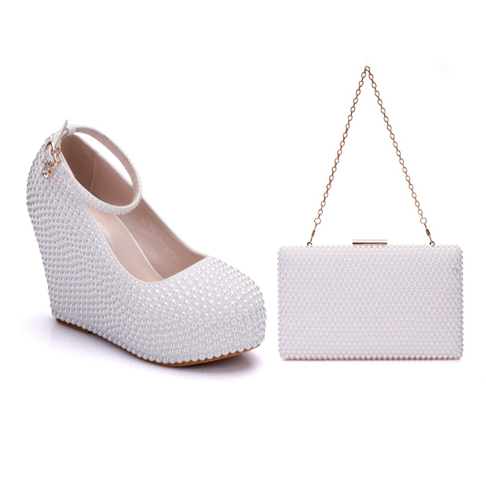 Crystal Queen Beige White Pearl Wedding Shoes Wedges With Matching Bags Women High heel Platrorm Shoes Woman High Pumps Party aidocrystal newest biling floral crystal around women high heel pumps wedding shoes and bags