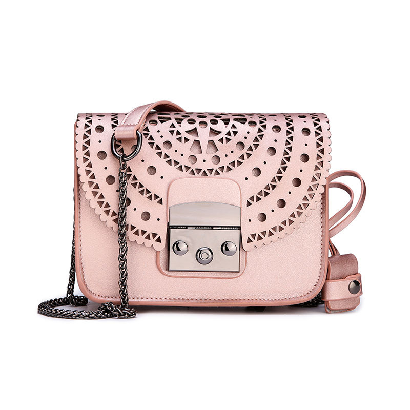 2018 New Women's Bag Korean Version Of The Hollow Women's Shoulder Bag PU Small Square Bag 2018 new female korean version of the bag with a small square package side buckle shoulder messenger bag packet tide