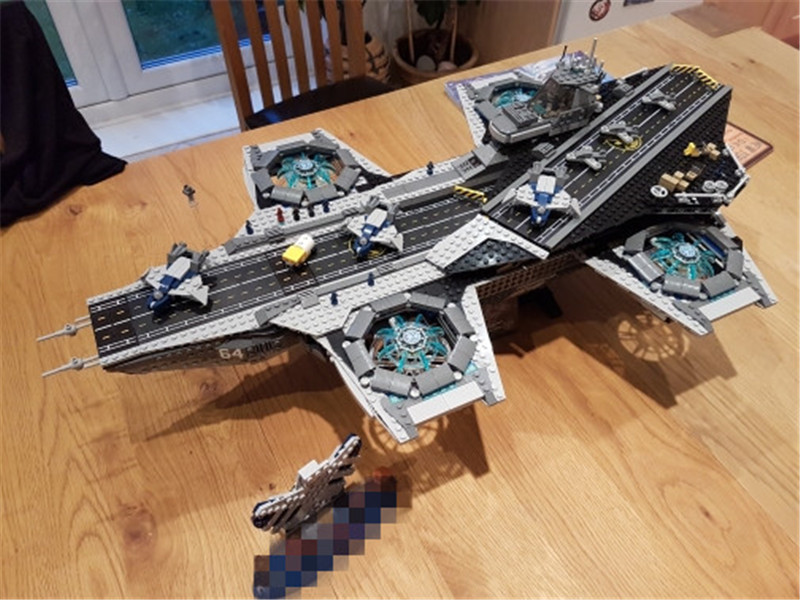 3057pcs New Super Heroes The SHIELD Helicarrier Model Lepins Educational Building Kits Blocks Bricks Figures Toys dhl lepin 07043 3057pcs super heroes the shield helicarrier model building kits blocks bricks boy toys compatible 76042