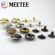 Factory direct circular copper four buckle Guangzhou metal buttons textile and clothing accessories spot 831 snap