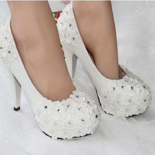 661207bd7a Strass flor rendas sapatos de casamento baixo salto alto personalizado  handmade proms vestido bidal wedding shoes bombas menina sapato festa em  Bombas das ...
