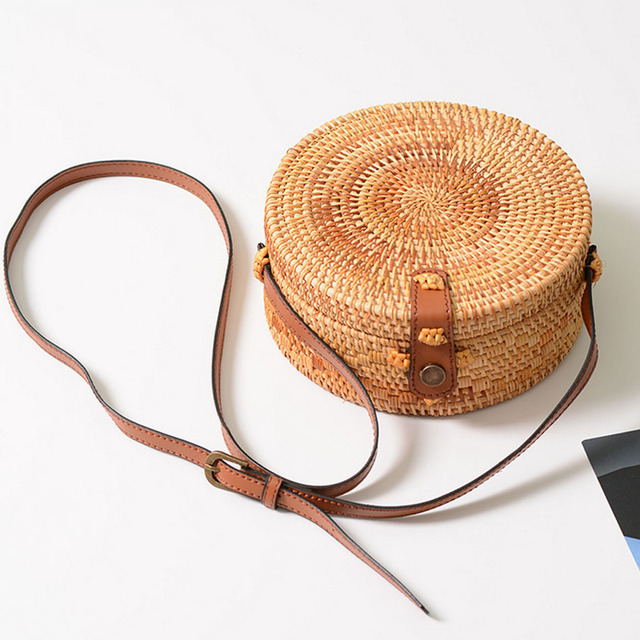 919c7e854 SUNNY BEACH Summer Women Handmade Round Bamboo Handbags Rattan Bags Circle  Box Bali Bohemian Beach Handbags Knitting Straw Bag