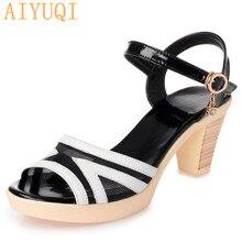Сандалии AIYUQI женщин к 2020 году новых летняя обувь Мода сетки дышащий с открытым носком черные на среднем каблуке Женская обувь