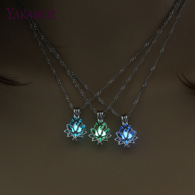 3 Colors Lotus Flower Pendant Necklace Charm Chain Pendant Glow in the Dark Chok
