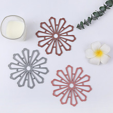 Hot sell multi-function coasters thick flower shape heat-resistant silicone coasters anti-slip heat-resistant kitchen utensils недорого