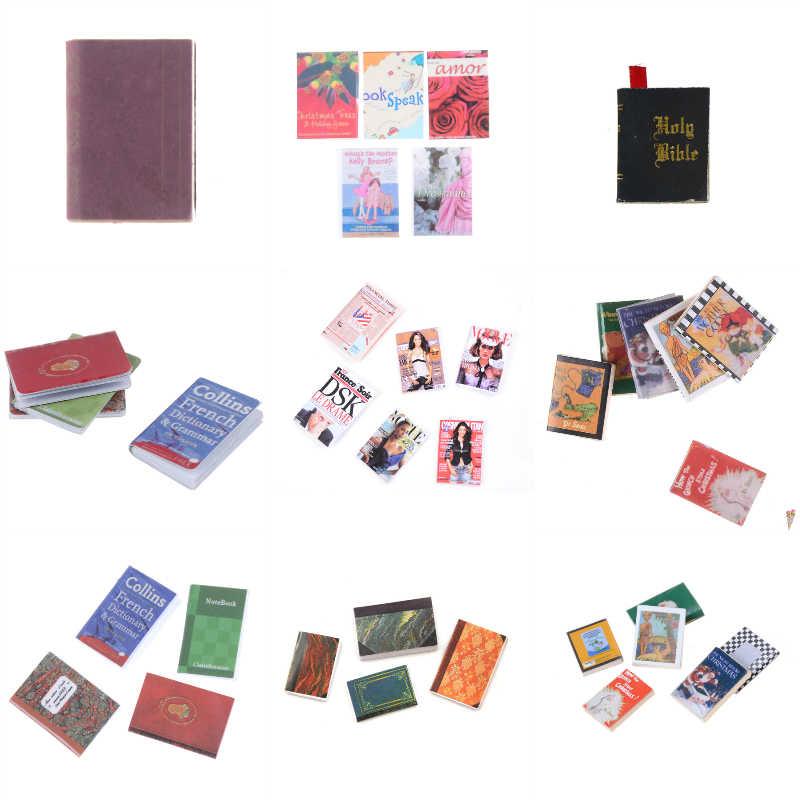 1 takım 1:12 bebek aksesuarları blythe Doll için Dollhouse için en iyi hediye oyuncak kız bebek mobilya kitap/dergi/Poker güzel oyuncaklar