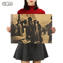 TIE LER The Kiss in Front of the Town Hall Retro Poster Decorative Home Kraft Paper Movie Poster Drawing Wall Sticker 51.5X36cm