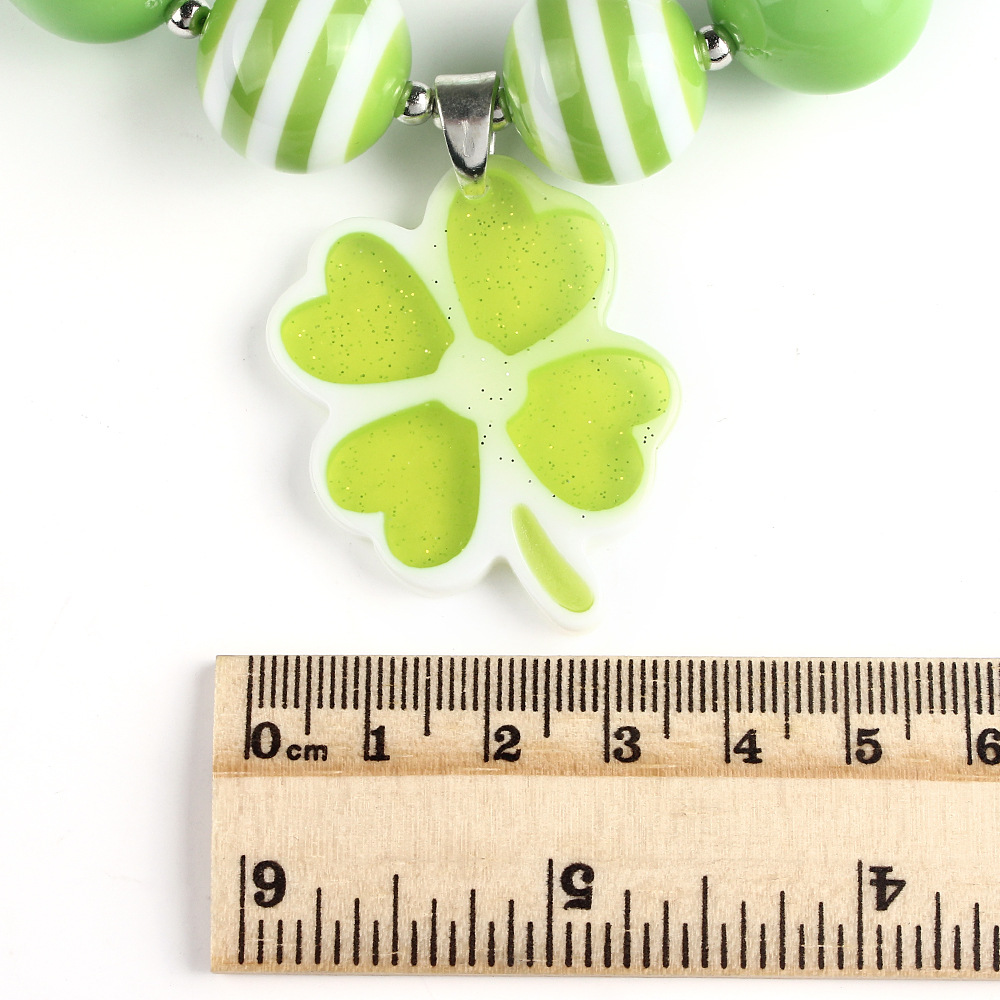 Hot Selling Environmental Resin Green Lucky Four Leaf Clover Charm Pendant Kids Necklace Toddler Safe Jewelry Accessories WXN53