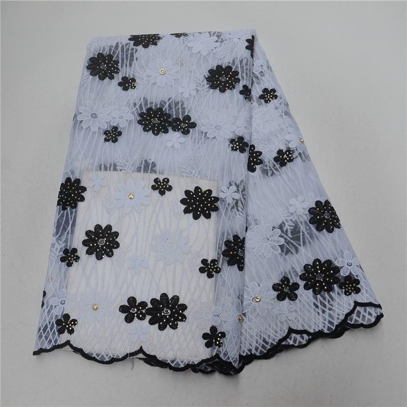 Belle fleur brodé dentelle pour dames robe africaine nigérian dentelle noir avec blanc partie dentelle