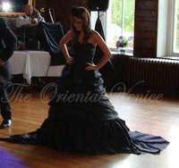 Classy Taffeta Black Gothic Wedding Dress Sweetheart Ruffle Corset Victorian Wedding Dresses 2016 Vestido De Novia