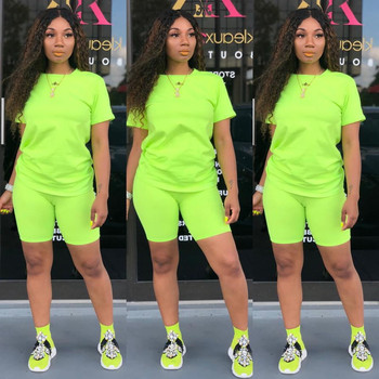 Two-piece Solid Color Women's Clothing. Short-sleeved Crew Neck T-shirt and Tight-fitting Shorts. Simple Style Tracksuit Outfit 2