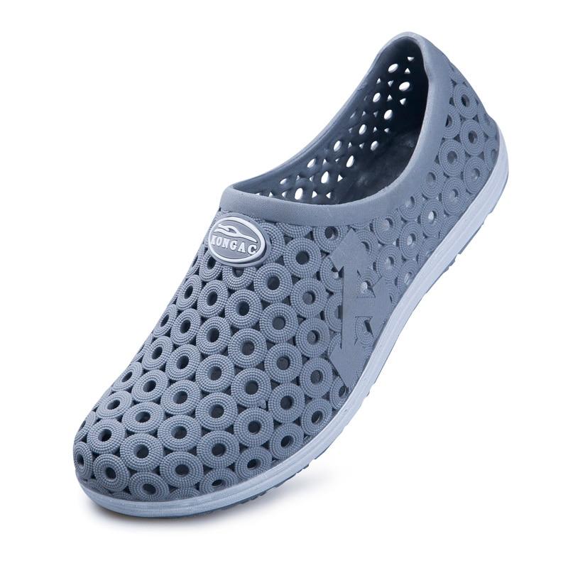 2018 Water Solides Men Summer Shoes Leisure Beach Sandals New Croc Shoes Footwear Flip Flops EVA Sandalias Scarpe Donna
