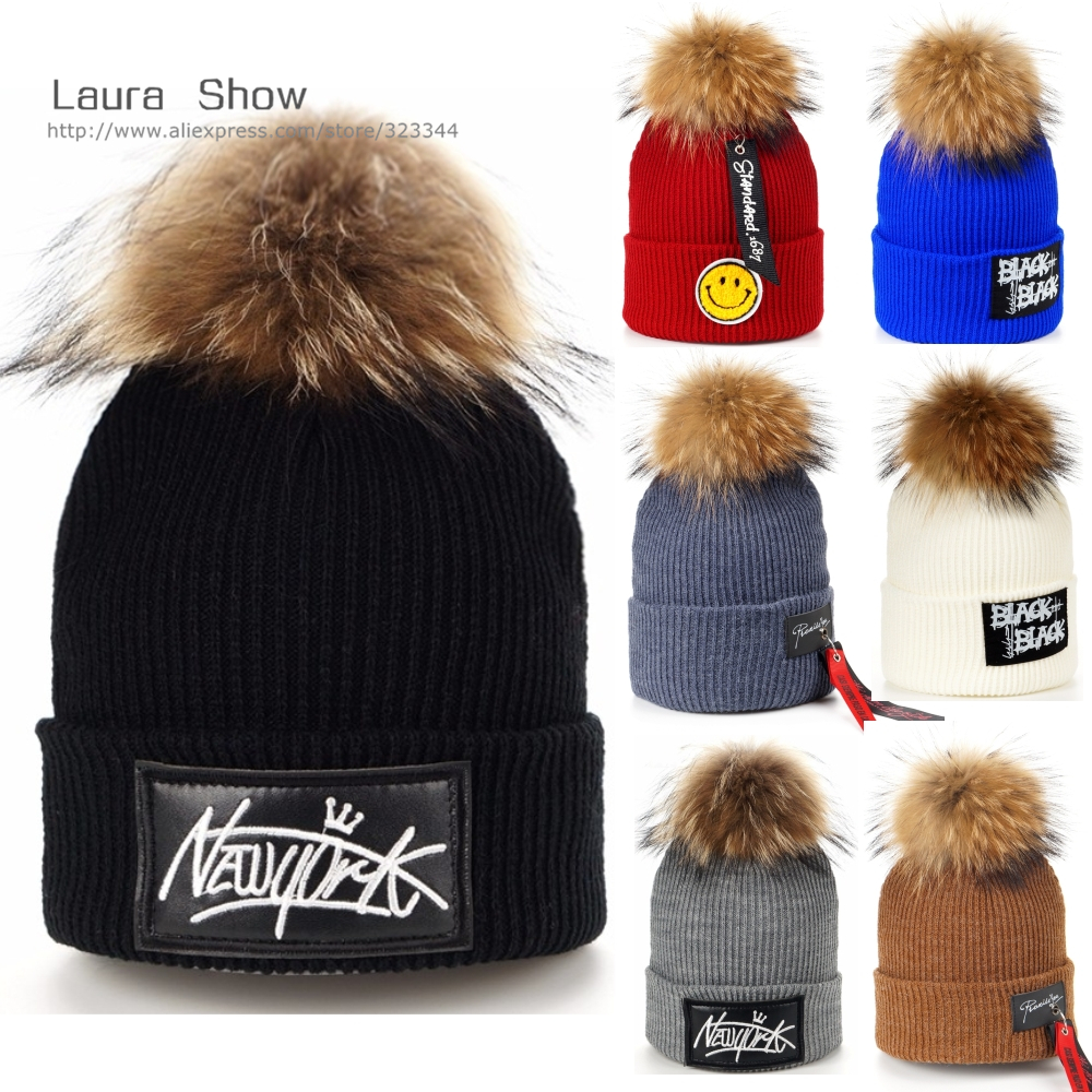 910aa734694c3 Laurashow chicos chica hip hop Cap real Raccoon fur Ball POM poms lana de  punto Beanie sombrero caliente del invierno