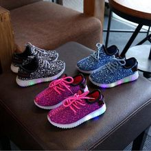 2018 New spring Children's LED shoes breathable boys girls fashion sneakers with lighting casual kids baby glowing shoes 1-6Year(China)