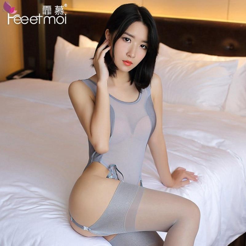 секс шелковых чулках