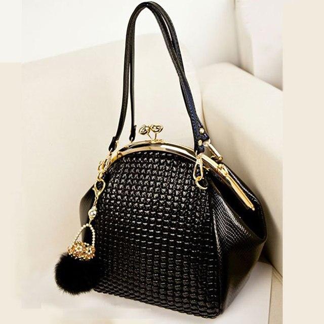2016 New Fashion luxury women handbag shoulder bag PU leather Black seashell bag famous designer vintage women messenger bag