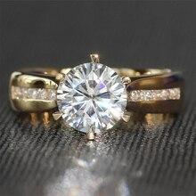 TransGems 2 캐럿 연구소 성장 Moissanite 다이아몬드 솔리테어 결혼 반지 moissanite 악센트 솔리드 14K 옐로우 골드 밴드 여성을위한