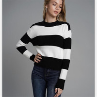 2018 Winter Women Fashion Black White Stripe Knitted Sweaters Womens Loose Long Sleeve Pullover Top Autumn Back Lace up Sweater