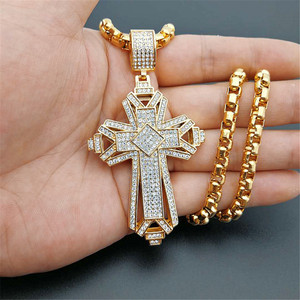 Image 1 - 2019 neueste Iced Out Edelstahl Big Kreuz Anhänger Halskette für Männer Gold Farbe Christian Cruzar Halskette Religiöse Schmuck