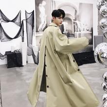 MIXCUBIC 2018 jesień koreański styl retro unikalne kurtki z tylnym rozcięciem wykop dla mężczyzn długi odcinek dorywczo luźna wiatrówka mężczyzn M-XXL tanie tanio STANDARD Stałe W669 Pełna REGULAR Skręcić w dół kołnierz Pojedyncze piersi NONE Mężczyźni Poliester Na co dzień