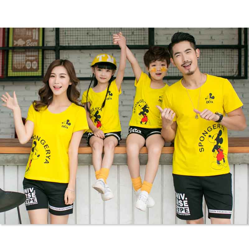Family Matching Clothes Sets minnie T-shirts+Black Shorts family look matching clothing set mom and daughter father son outfits matching family clothing set 2015 autumn style winter family look matching mother daughter father son long sleeve sweater set