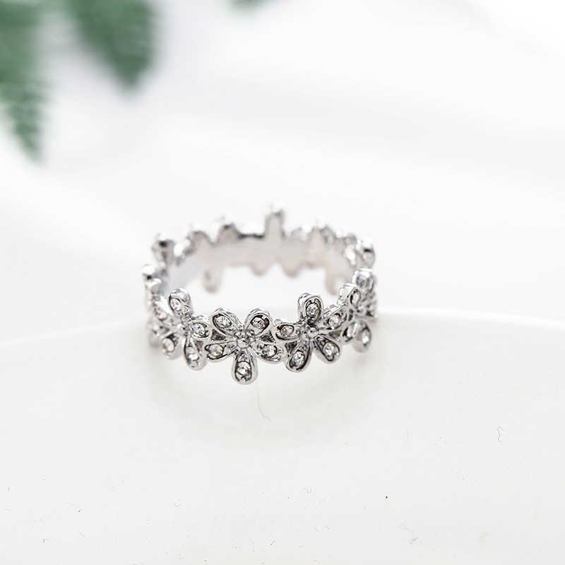 00bea8bf7 ... TOGORY New Arrival Dazzling Daisy Genuine compatible Silver Color Pandora  Ring Fit jewelry Women Wedding Accessories ...