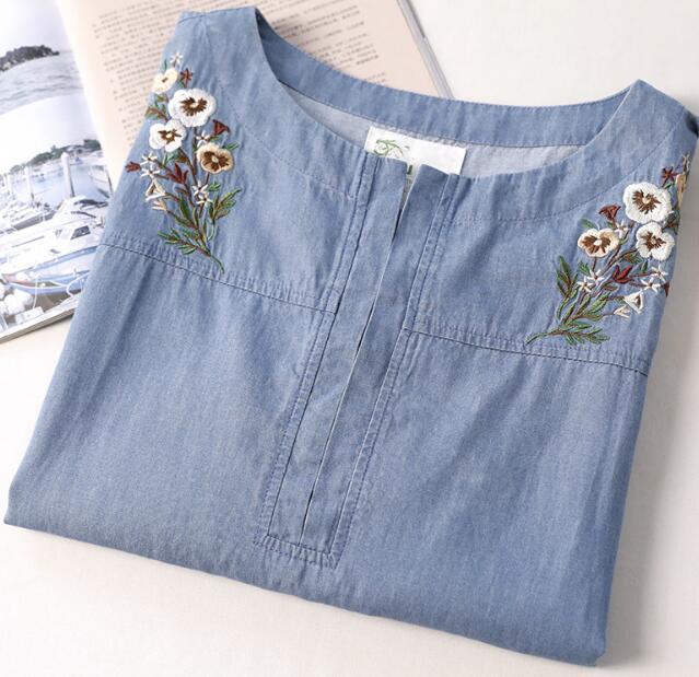 Flores bordado del o-cuello de la vendimia de manga corta camisa de mezclilla su