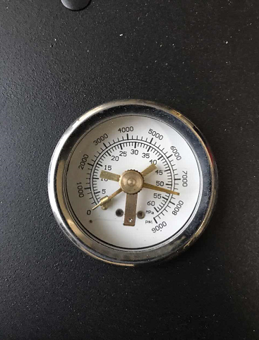 Auto stop compressor pressure gauge