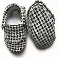 Новый стиль из натуральной кожи детские мокасины ткань зерна детская обувь Bebe новорожденных обувь первые ходоки бесплатная доставка