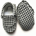 New style Genuine Leather Baby Moccasins Cloth grain Baby Shoes Bebe newborn shoes First Walkers Freeshipping