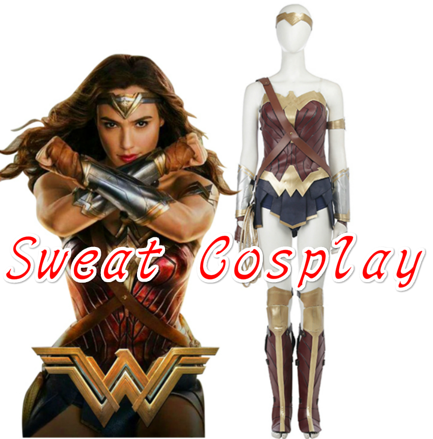Did wonder woman have a cape-5308