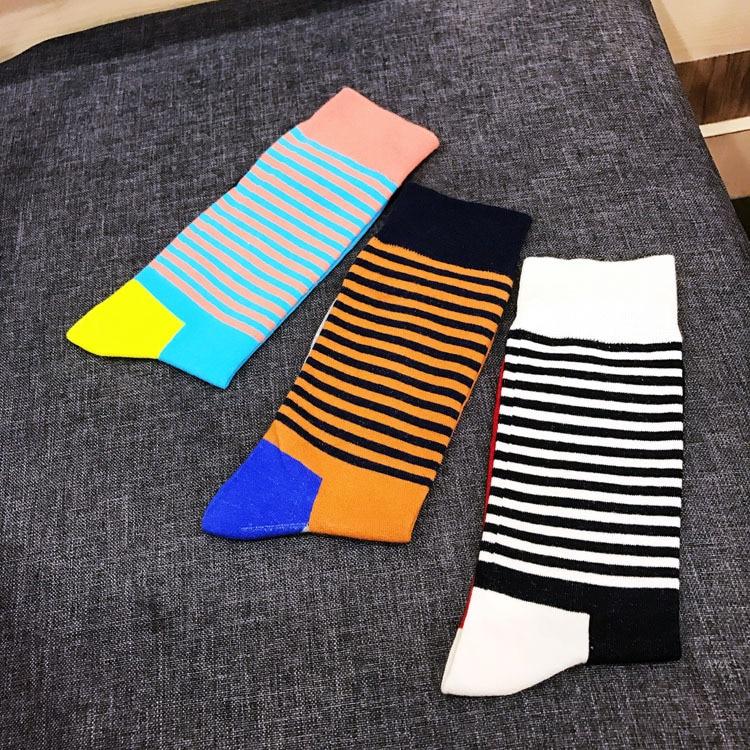 5Pairs EUR39-44 autumn winter men socks fashion creative cotton socks male colorful stripe geometry patterns socks