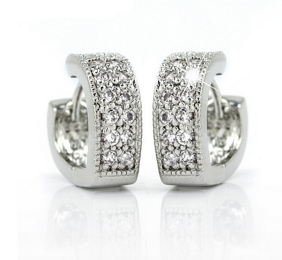 H:HYDE Wonderful and Lovely design 1 pair Silver Color shiny woman hoop earrings for gift Heart Silver Jewelry For Women Femme