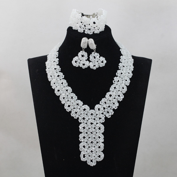 2017 New Fashion Pretty White African Beaded Crystal Jewelry Set Chunky Costume Women Collar Necklace Set Free ShippingABL8902017 New Fashion Pretty White African Beaded Crystal Jewelry Set Chunky Costume Women Collar Necklace Set Free ShippingABL890