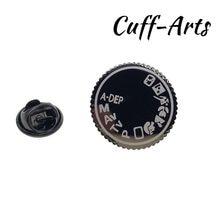 Broche de solapa para hombres pines y broches Cámara Dial Pin para solapa con insignia joyería de Broche Pin de la solapa de Cuffarts P10206