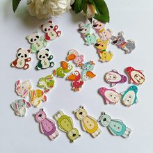 цена на 40PCs Random Mixed Buttons Lovely animal 2 Holes Mixed Sewing Wooden Decorative Buttons Flatblck Scrapbooking