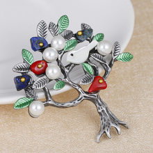 Vintage Natural Stone Brooch Retro Tree and Bird Imitation Pearl Pins Brooches for Women(China)