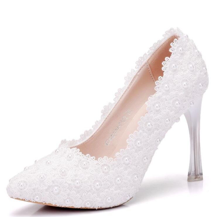 Donna scarpe da sposa 2019 nuova venuta! Slip on di colore bianco rotondo piattaforme dita dei piedi da sposa bianco scarpe da sposa in pizzo-in Tacchi alti da Scarpe su  Gruppo 1