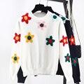 La moda de Nueva Otoño Invierno 3D Flores Mujeres Knit Tops Del O-cuello Blanco y Negro de Manga larga Jumpers Suéteres Señora de la Marca de Fondo SY785