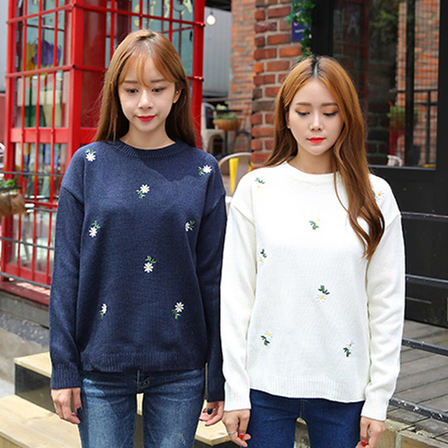 efdedd8a529 Autumn and winter new Women Korean Harajuku small fresh daisies embroidered  long-sleeved round neck sweater hedging for girls