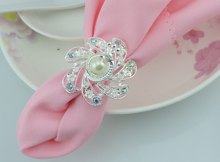 100pcs/lot hotel restaurant table accessories exquisite peacock napkin ring diamond buckle napkins for wedding party decorations
