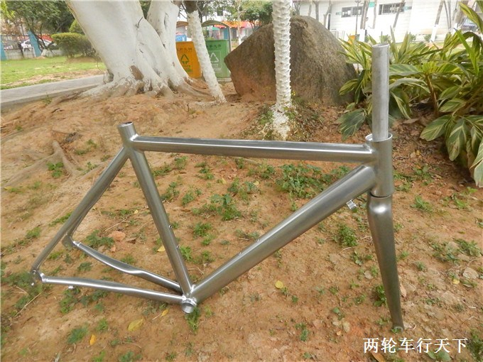 Advanced road bike frame+ fork aluminum alloy titanium scale-free vintage 700c 52cm ultra-light bicycle frame bike parts 53cm 55cm 58cm fixed gear bike frame matte black bike frame fixie bicycle frame aluminum alloy frame with carbon fork
