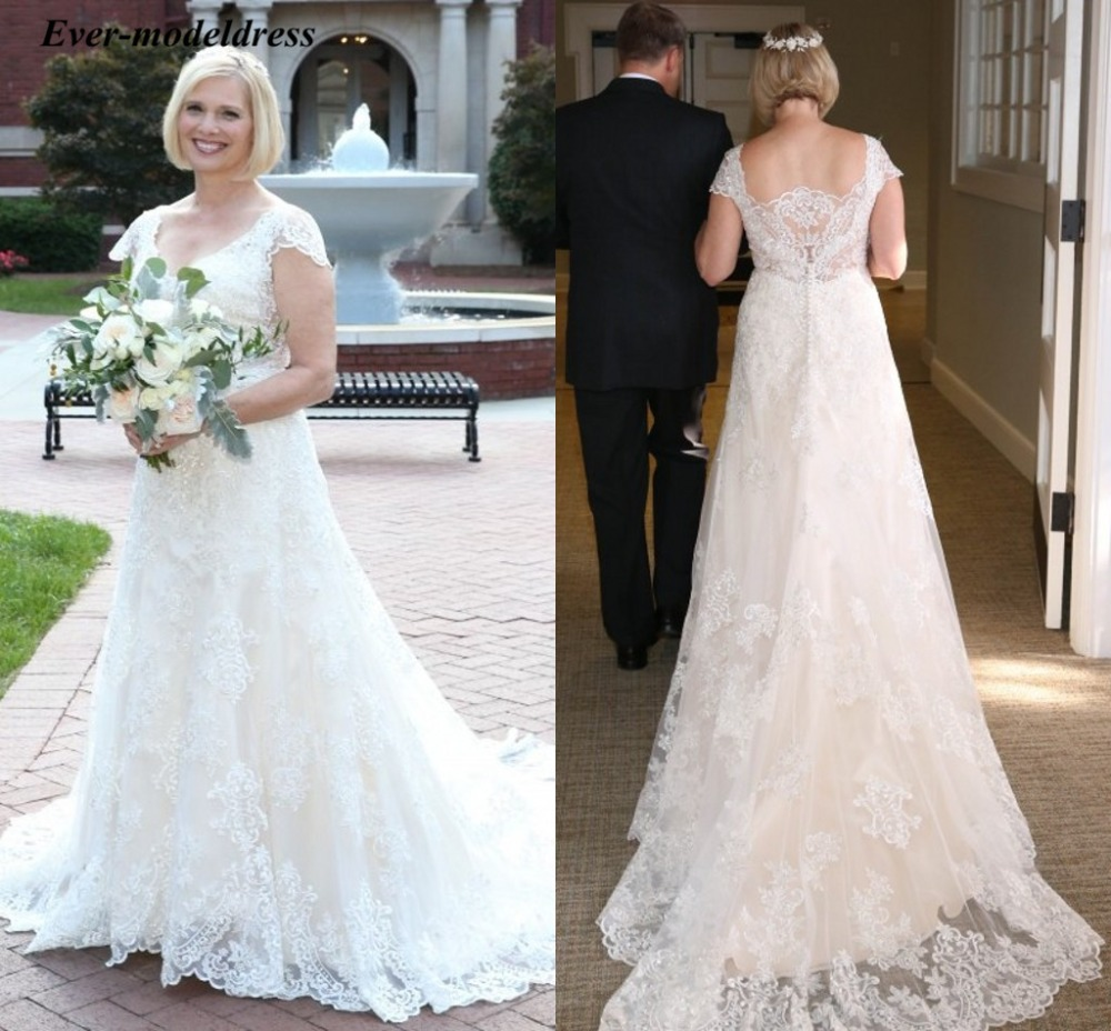 2019 Plus Size Wedding Dresses Short Sleeves Lace Appliques V-Neck Sheer  Back Sweep Train A-Line Bridal Gowns Robe De Mariee January 2020