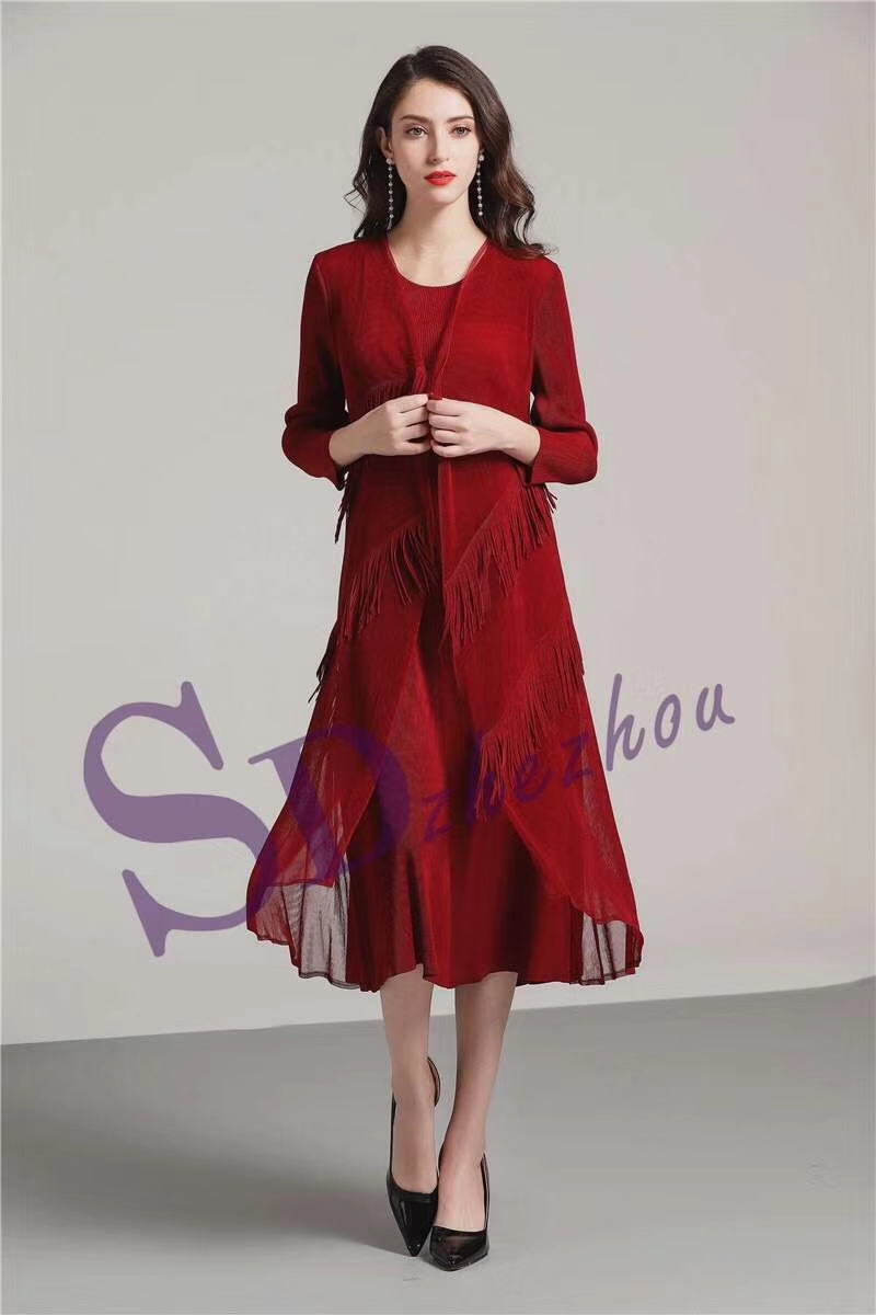 FREE SHIPPING  spring and summer miyake tassel pleated  medium-long notched  three quarter  Fake two-piece dres IN STOCK
