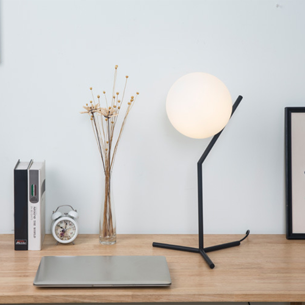 Romantic Modern Ball Shape Desk Lamp Concise Originality Desk Lamp Bedroom Bedside Dimming Table Lamp Decorative LightRomantic Modern Ball Shape Desk Lamp Concise Originality Desk Lamp Bedroom Bedside Dimming Table Lamp Decorative Light
