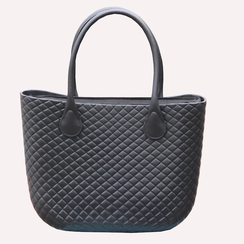 2018 ใหม่คลาสสิก EVA กระเป๋าใส่กระเป๋าด้านในจับที่มีสีสัน EVA ยางซิลิโคนกันน้ำผู้หญิงกระเป๋าถือ Obag สไตล์-ใน กระเป๋าสะพายไหล่ จาก สัมภาระและกระเป๋า บน AliExpress - 11.11_สิบเอ็ด สิบเอ็ดวันคนโสด 1