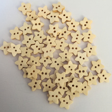 50PCs NEW Natural Wooden Buttons Cute Star Shape Scrapbooking DIY Craft Sewing Accessories 2 Holes DIY Clothing Accessories